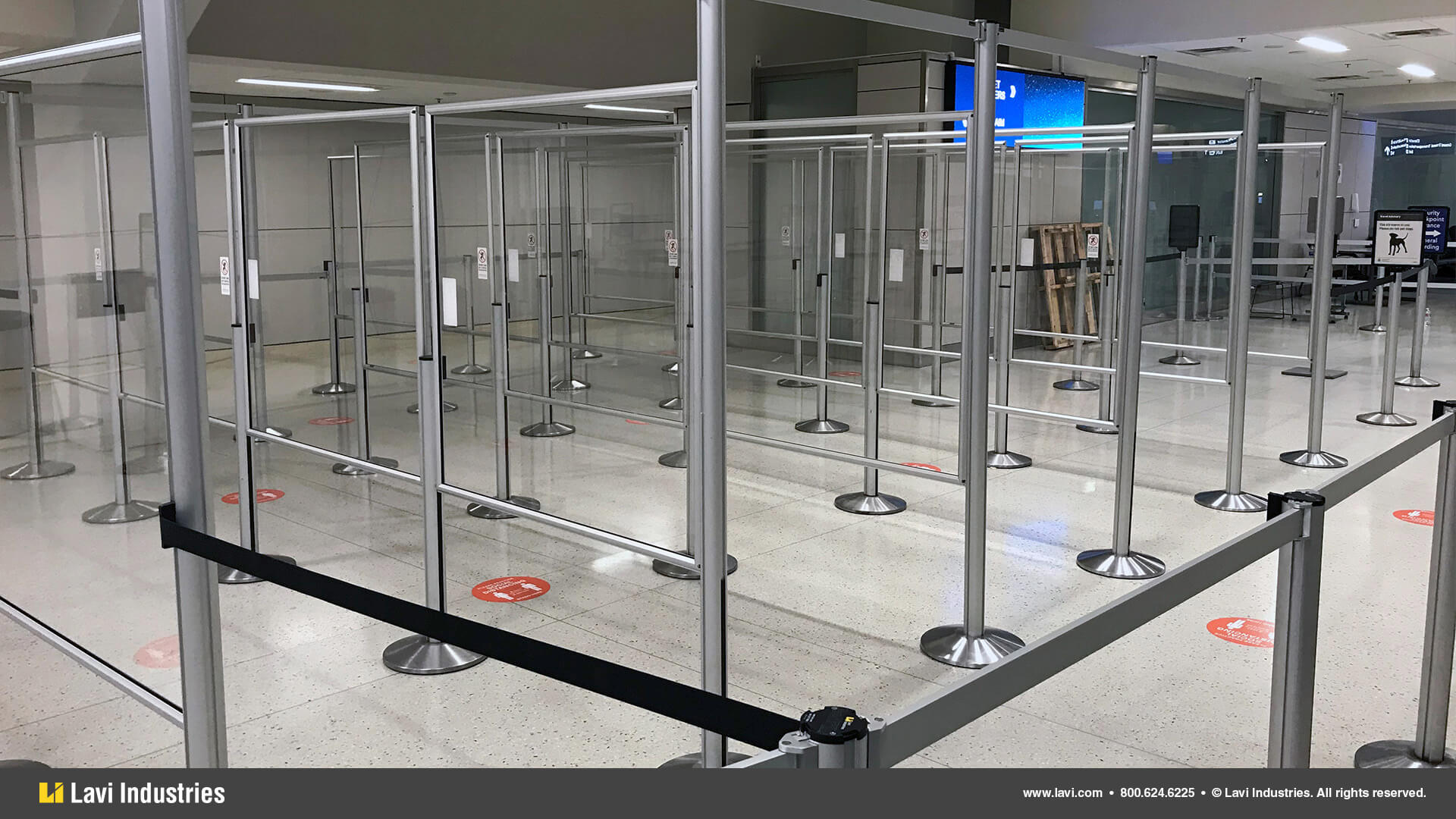 Airport,Barriers,Queuing,Signage,SocialDistancing,RigidRail,Stanchions,QueueGuard